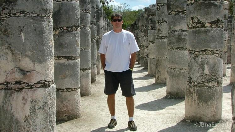 Mexico - Chichen Itza - Plaza de las 1000 Columnas