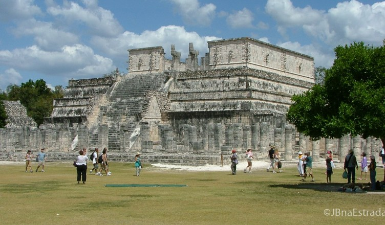 Mexico - Chichen Itza - Templo de los Guerreros e Plaza de las 1000 Columnas