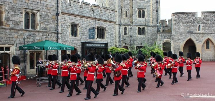 Inglaterra - Londres - Castelo de Windsor - Troca da Guarda - Banda