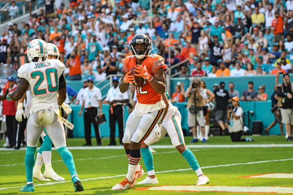 Chicago Bears wide receiver Allen Robinson (12) catches a touchdown