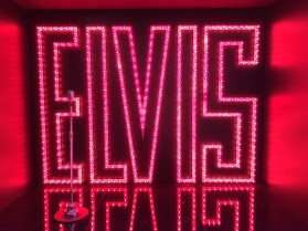 Elvis Vingnette for Fan360 an interactive music experience at Sony Square NYC (Sony's brand showroom). The installation features recreation of sets from H.E.R, LSD, Elvis's 1968 comeback special, Future and Arista audio clouds with emerging artists