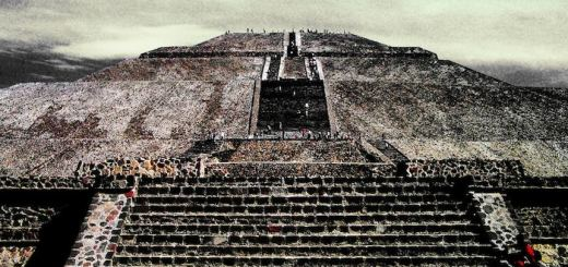 Mexico, Aztec, first–second century A.D. Teotihuacan - Pyramid of the Sun. Photo: Joel Bedford via Flickr.com. Creative Commons Logo Used under a Creative Commons: Attribution license.