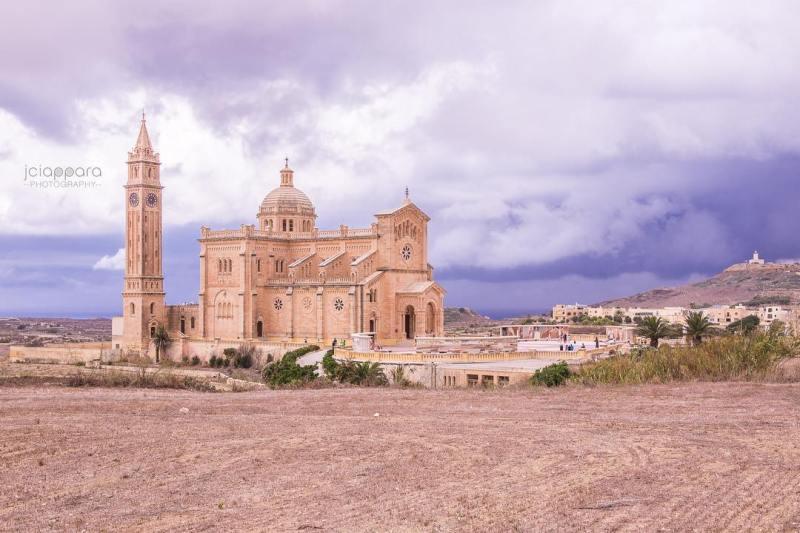 Hello thunder!  TaPinu Gozo Nikon Church Thunderstorm rain ProCamApp