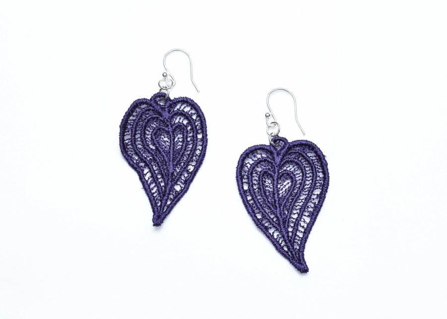 Moroccan Heart lace earrings in deep purple