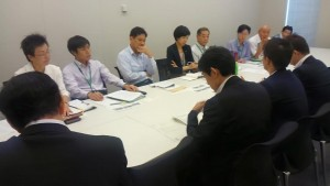 国交省に要請する(写真左奥2人目から右に)山添拓参院東京選挙区候補、宮本徹衆院議員、