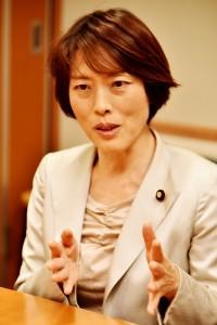 (写真)参議院議員・比例候補田村智子さん=「しんぶん赤旗」提供