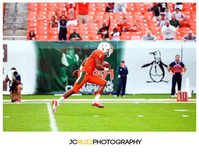 Hurricanes DB #3, Tracy Howard, returns an interception for a touchdown