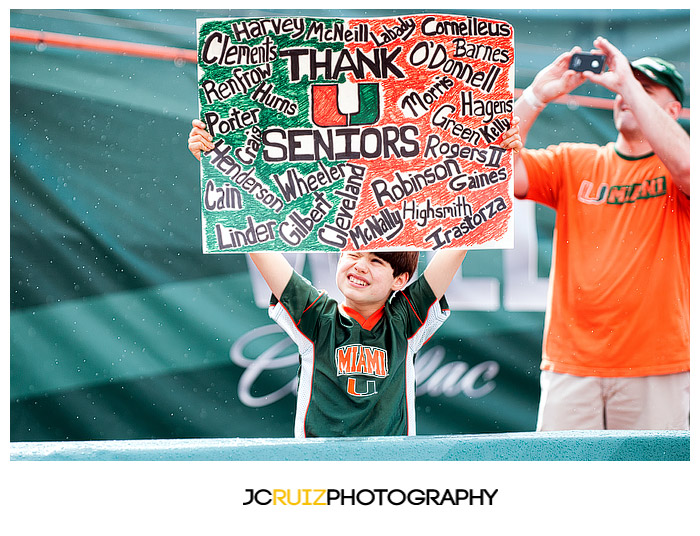 A young Miami Hurricanes fan wishes the Seniors well