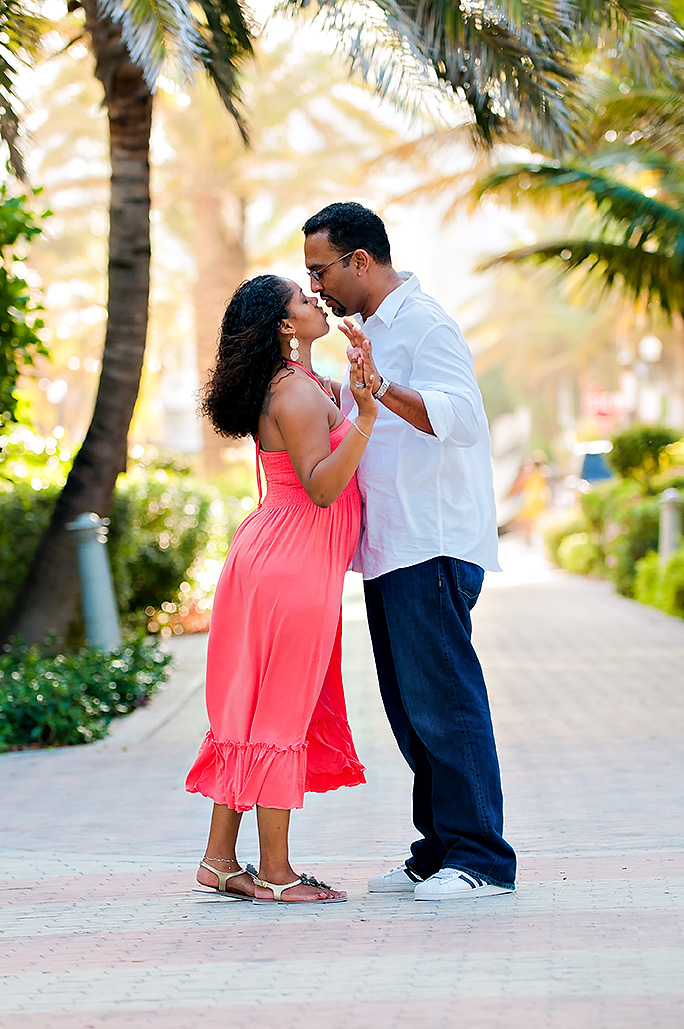 A South Beach engagement photo shoot