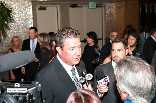 Dan Marino speaks to the media