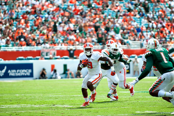 Clemson Tigers RB #9, Wayne Gallman, rushes against the Miami Hurricanes