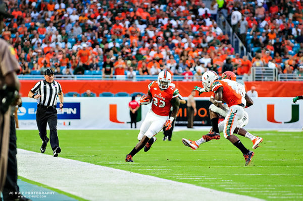 Stacy Coley blocks for Christopher Herndon