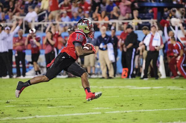 Nicholas Norris scores a touchdown for Western Kentucky University