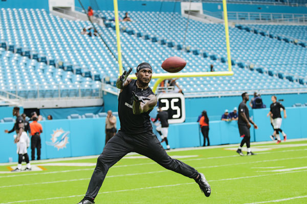 Julio Jones catches a pass during drills