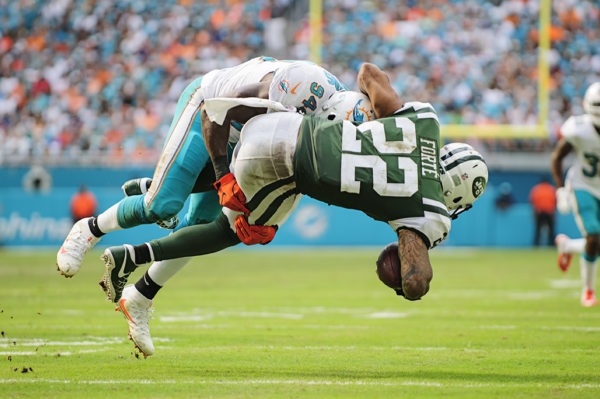 Lawrence Timmons (94) tackles Matt Forte (22)
