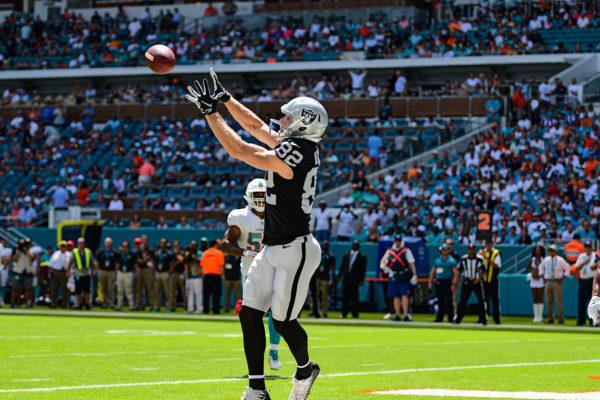Oakland Raiders wide receiver Jordy Nelson (82) hauls in a touchdown