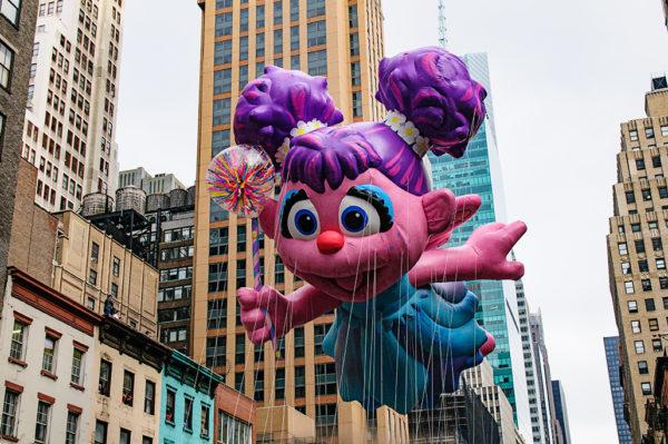 sesame street macys thanksgiving day parade