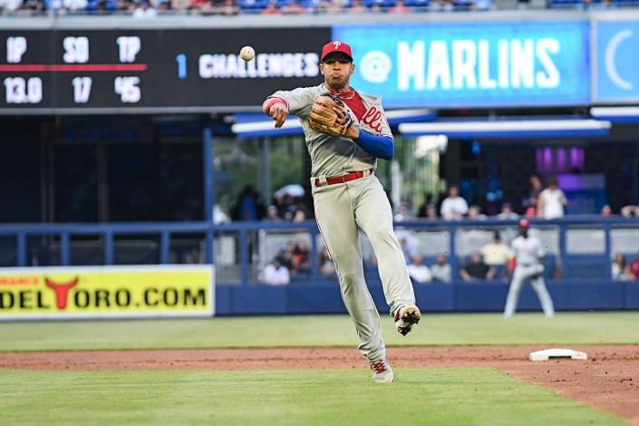 Philadelphia Phillies second baseman Cesar Hernandez (16)