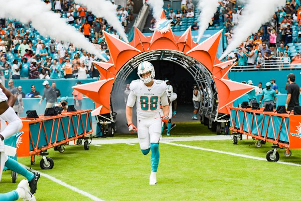 Miami Dolphins tight end Mike Gesicki