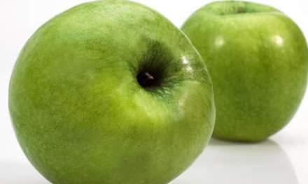 Elle soigne les verrues avec des pommes à la pleine lune