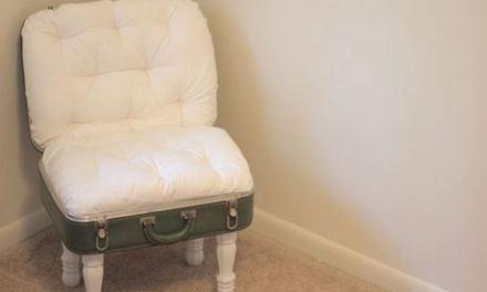Une valise recyclée en fauteuil