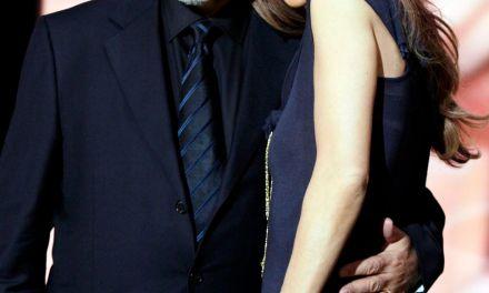 La vie de René Angélil en 100 photos – Nos pensées vers Céline Dion, ses enfants et ses proches. Un amour qui forçait le respect et l'admiration.