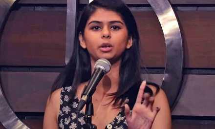 En Inde, Aranya Johar défend le statut des femmes grâce à la musique et au slam.