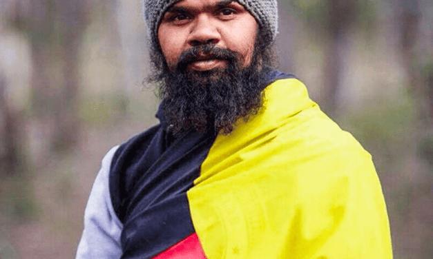 La longue marche d'un Aborigène australien pour son peuple