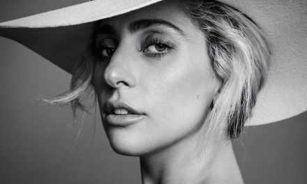 On fait quoi, chéri,ce soir?  On écoute Lady Gaga et on se tait!!