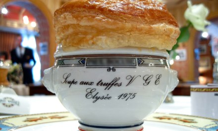 Recette de la mythique soupe VGE de Paul Bocuse.