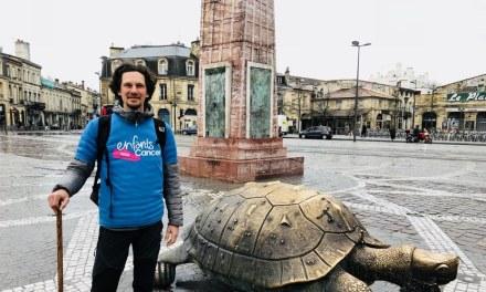 Son fils guéri d'une leucémie, Emmanuel Mancuso marche jusqu'à Saint-Jacques-de-Compostelle pour récolter des fonds afin d'aider les enfants malades du cancer