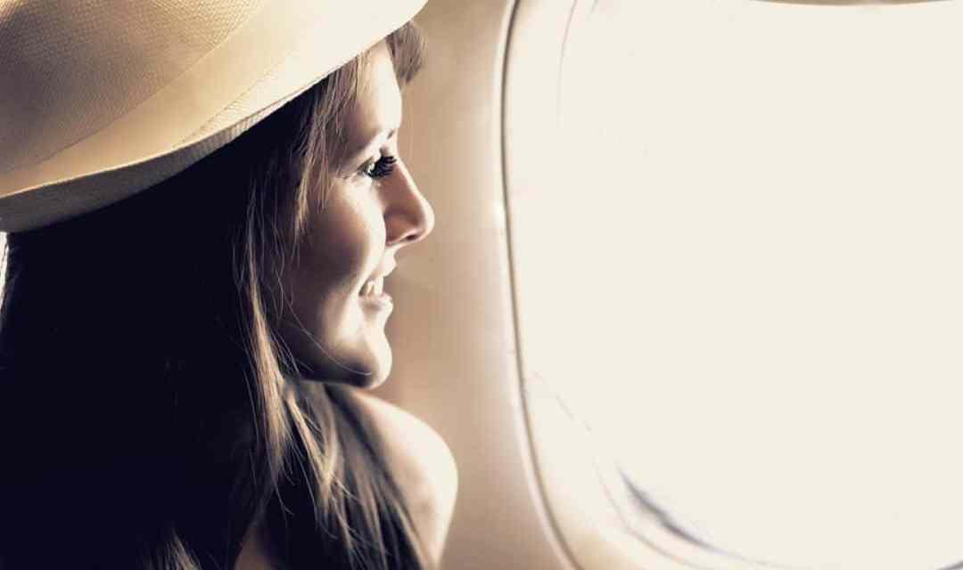 8 conseils beauté pour garder une belle peau en avion