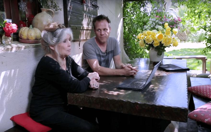 France: Contre les abattoirs, Rémi Gaillard et Brigitte Bardot interpellent ensemble le gouvernement.