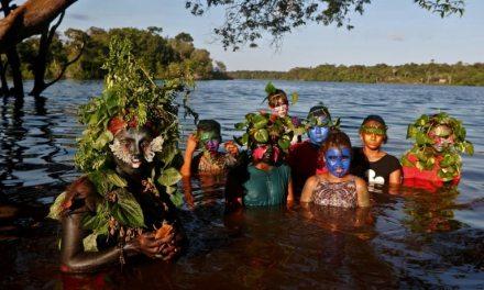 Uyra Sodoma, la drag queen écolo venue d'Amazonie