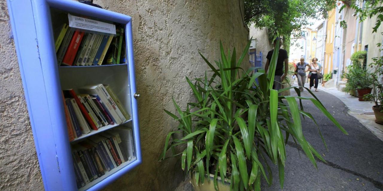 Hyères: Les «boîtes à livres» se multiplient dans les rues varoises pour lutter contre l'illettrisme et partager le savoir