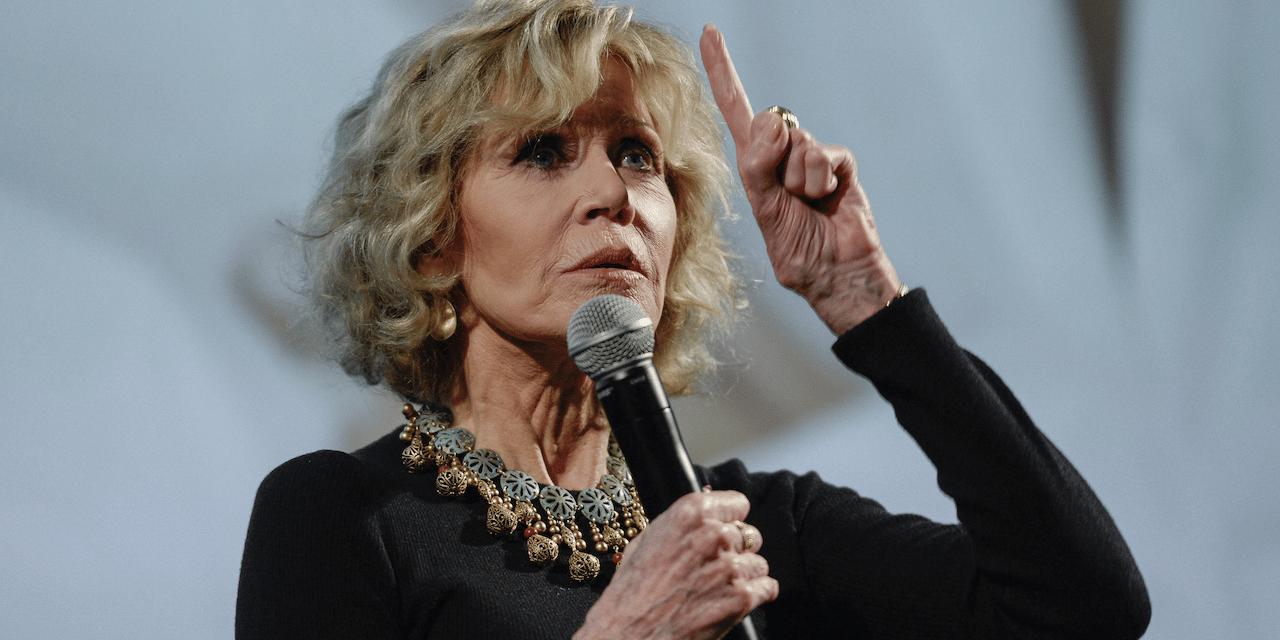 L'actrice et activiste Jane Fonda a un message pour toutes les jeunes femmes. Bravo.