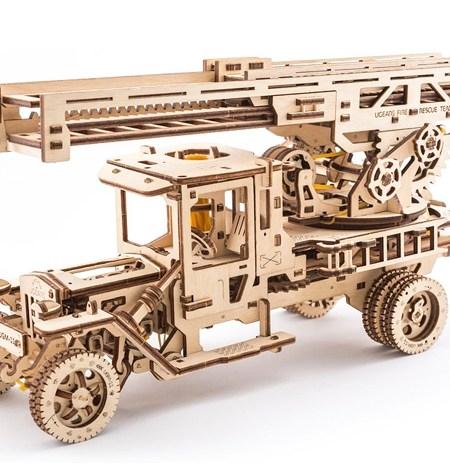 Construcción de Madera – Camión de Bomberos