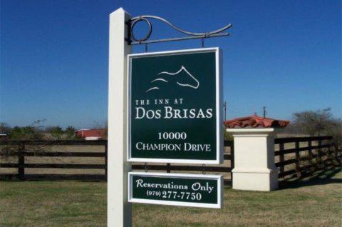 The inn at Dos Brisas ID sign