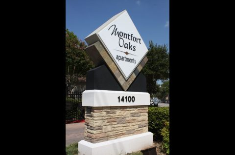 Montfort Oaks apartments ID sign