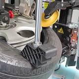 QXプラスで超偏平タイヤなどの高剛性タイヤをレバーレスで作業。通常のレバー作業へワンタッチで切り替えが可能