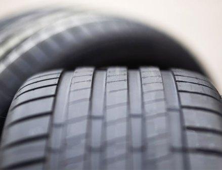 ブリヂストン、欧州で軽量タイヤ技術「Enliten」を発表