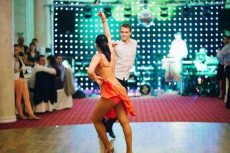 Trupa dansatori pentru nunta si evenimente