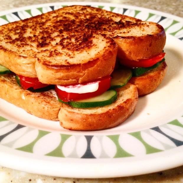 tomato & cucumber sandwich