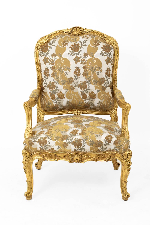 fauteuil a la reine style louis xv en bois dore fin xixe siecle