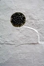 Wispy Porthole