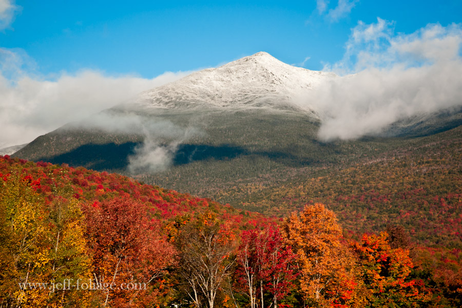 New England fall colors in the morning on Mount Washington