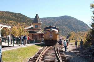 Crawford Notch fall foliage train