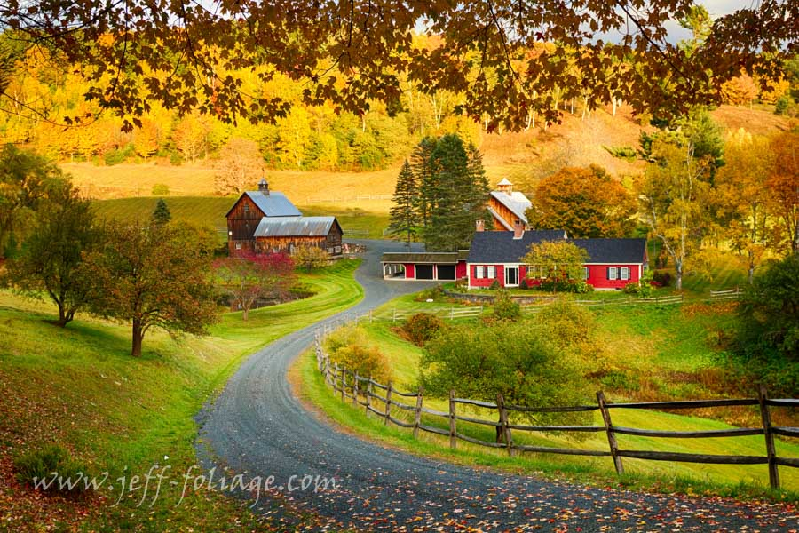 Pomfret Vermont farm in autumn