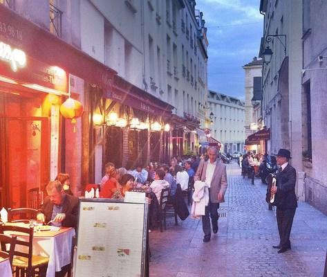 Bon Soir, Paris!