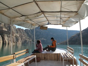 Sketching and sailing up the Euphrates river